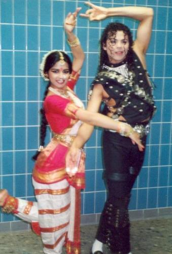 daimyo dja met indian dance girl 20100114 1970956131